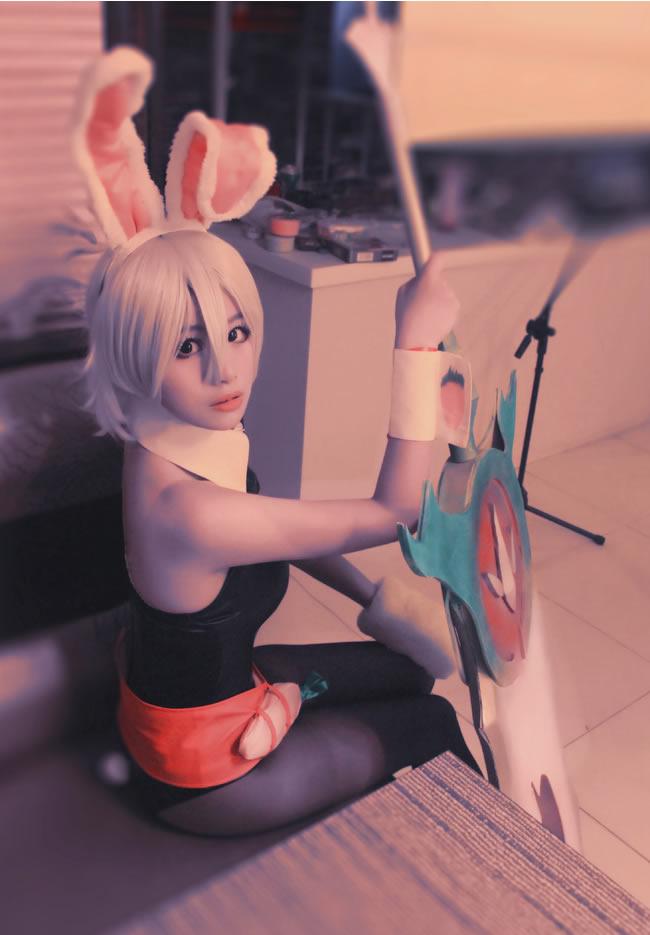 这个瑞萌萌有点萌 兔女郎锐雯cos