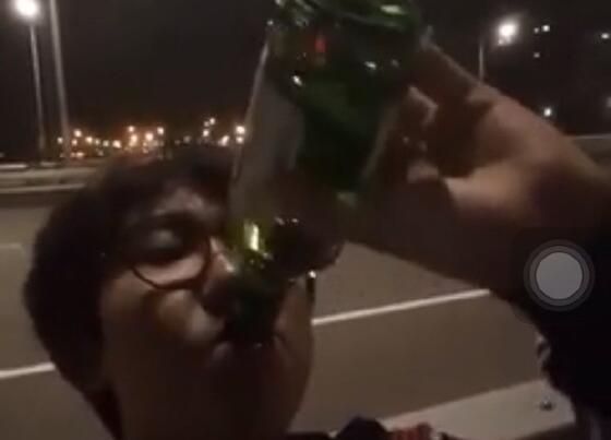 落魄的世界冠军:Imp直播街角买醉